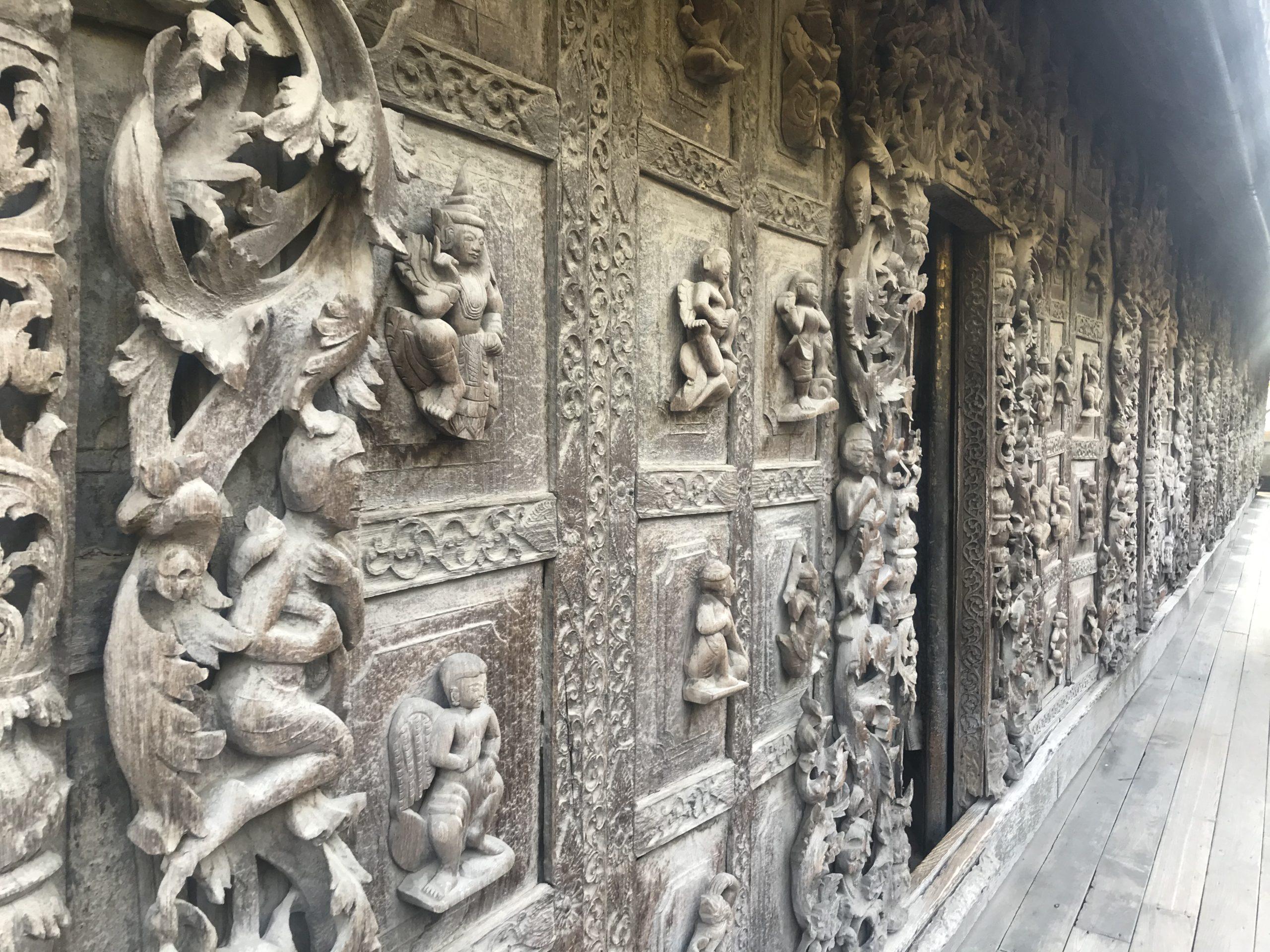 シュエナンド―僧院