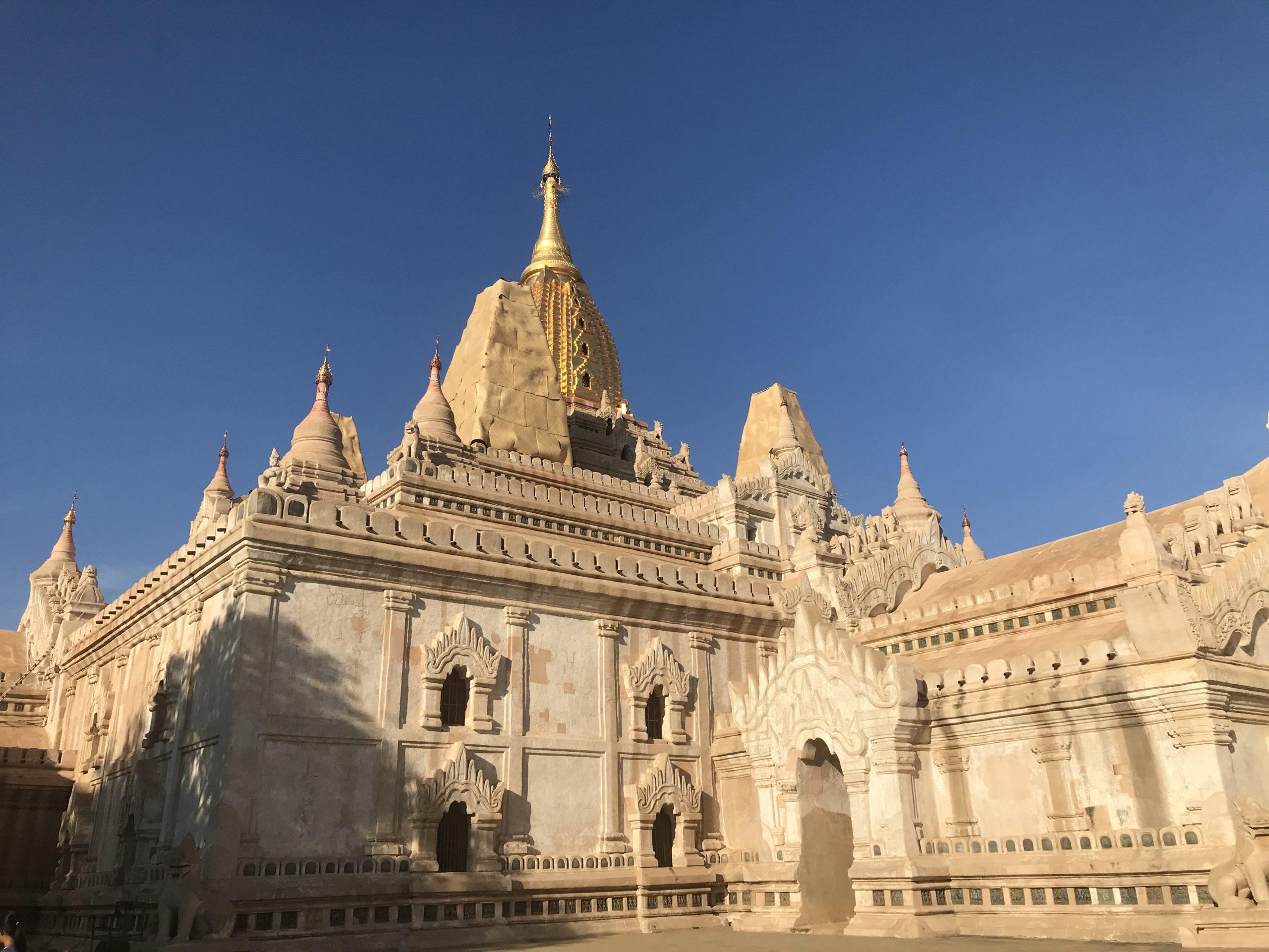 アーナンダ―寺院
